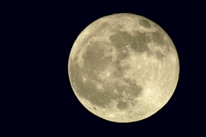 Full Moon in Capricorn on July 15, 2011