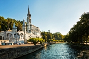 Cathedral - Lourdes, France Psychic Sylvia Browne, World-renowned Psychic Sylvia Browne pictures